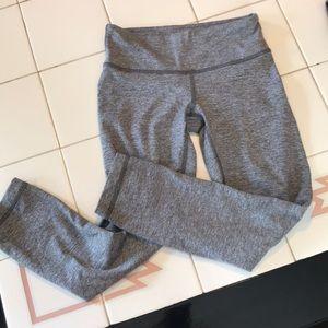 Lululemon crop yoga pants grey sz 2